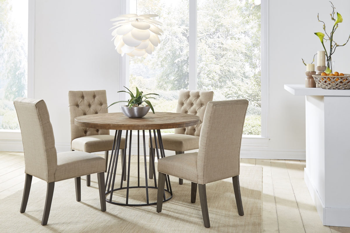 Crossroads Mayfair Table with Kathryn Chairs